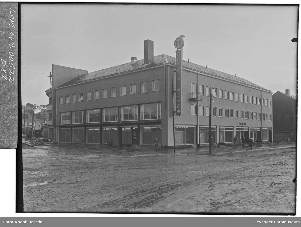 Rolf Hansens bygg og manefaktur i Steinkjer  IV
