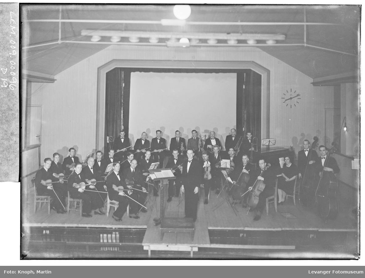 Namdalseid Musikklag konserterer  II