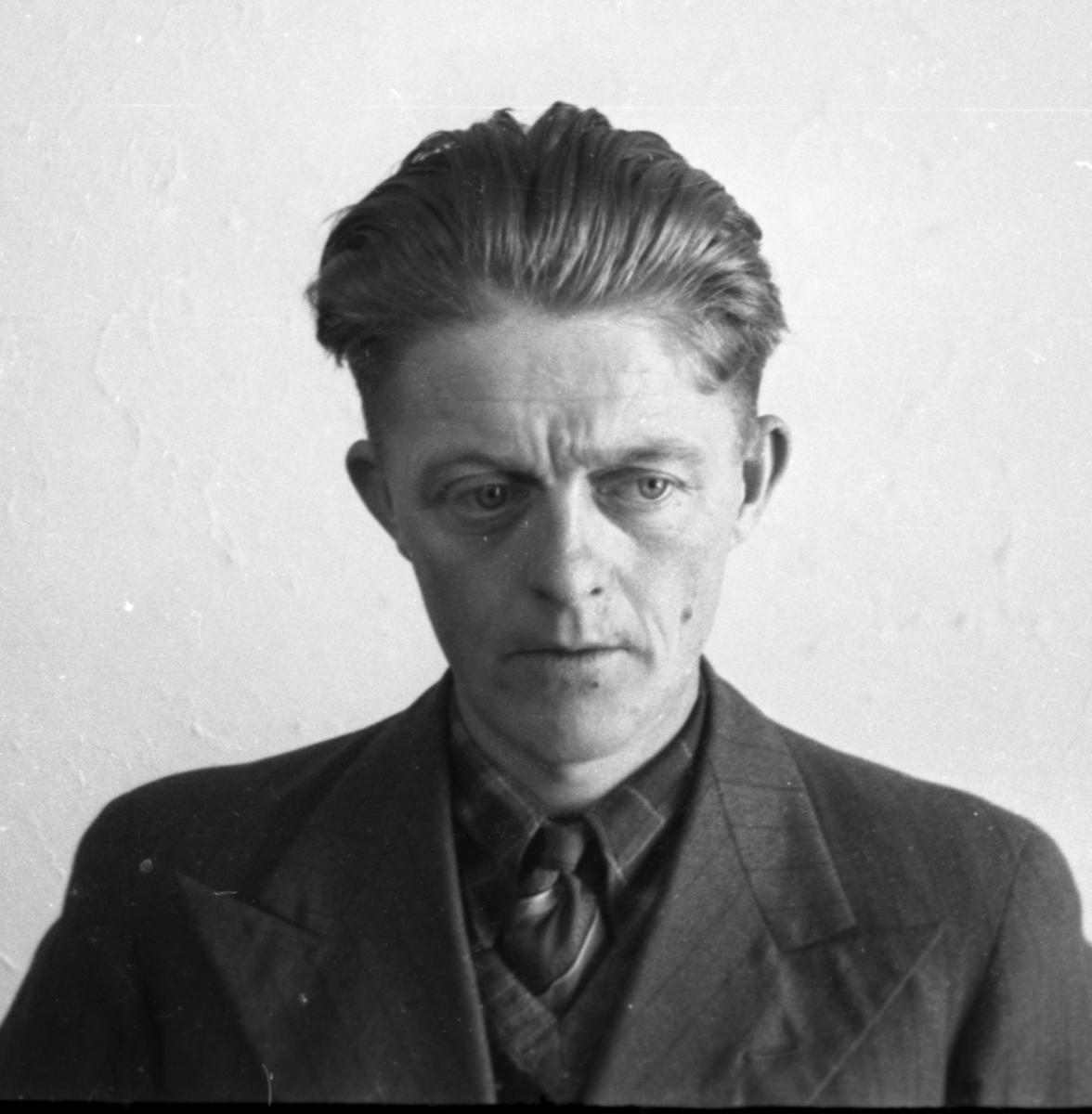 Passbilde av Olaf Brenn.