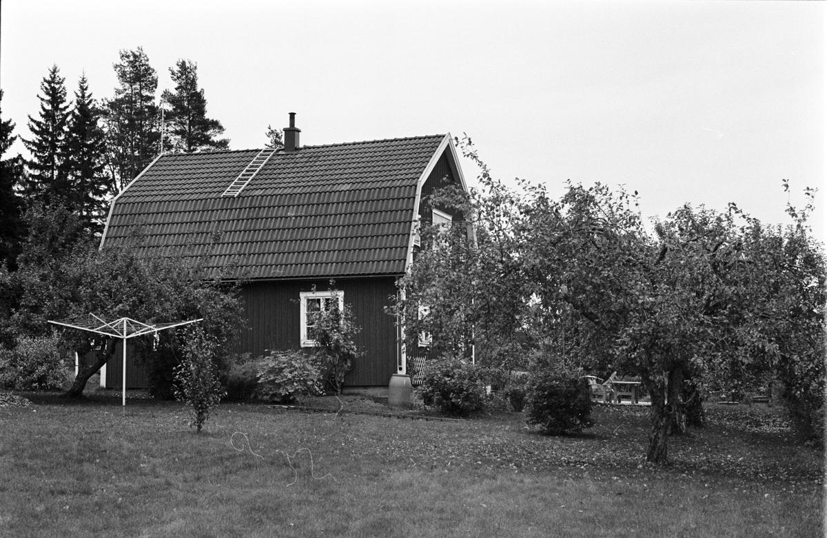 Bostadshus, Gustavslund, Holmbro 2:10, Skogs-Tibble socken, Uppland 1985
