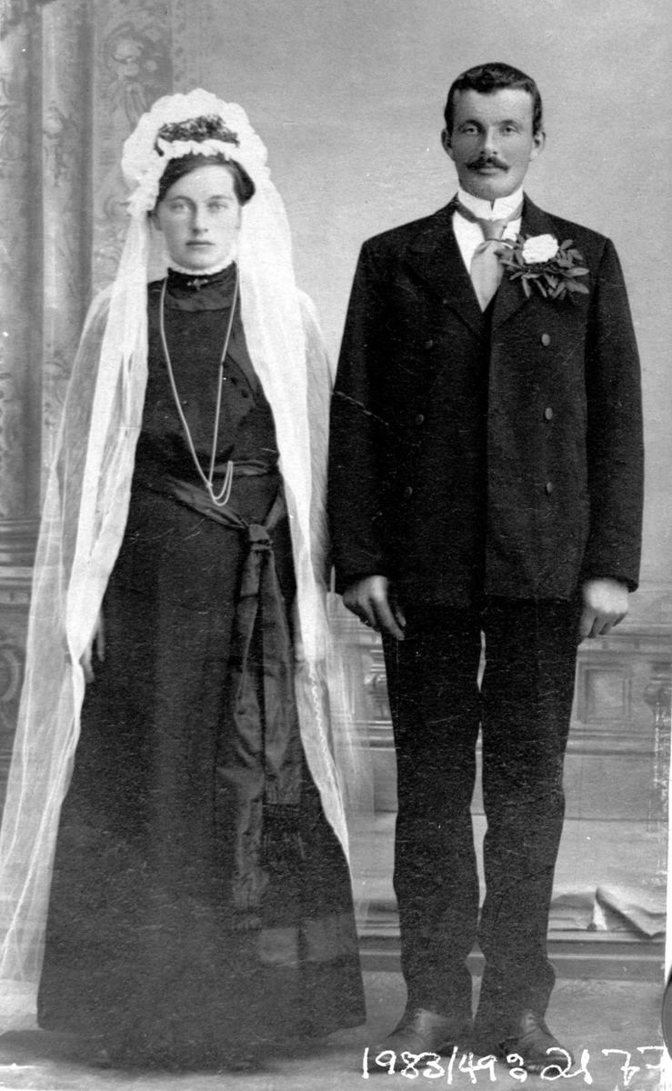 Ateljebilde, Brylløpspar ca 1900-1910. Repro