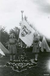 NGU-leir Harstad 1943. Noen av lagene dekorerte sine leiromr
