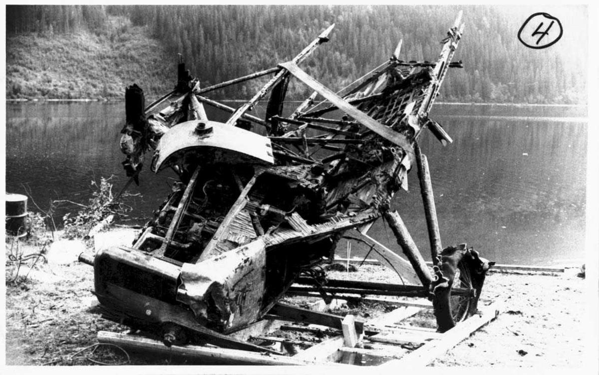 Ett flyvrak ved vannkanten, F.F.9. Kaje I nr 33