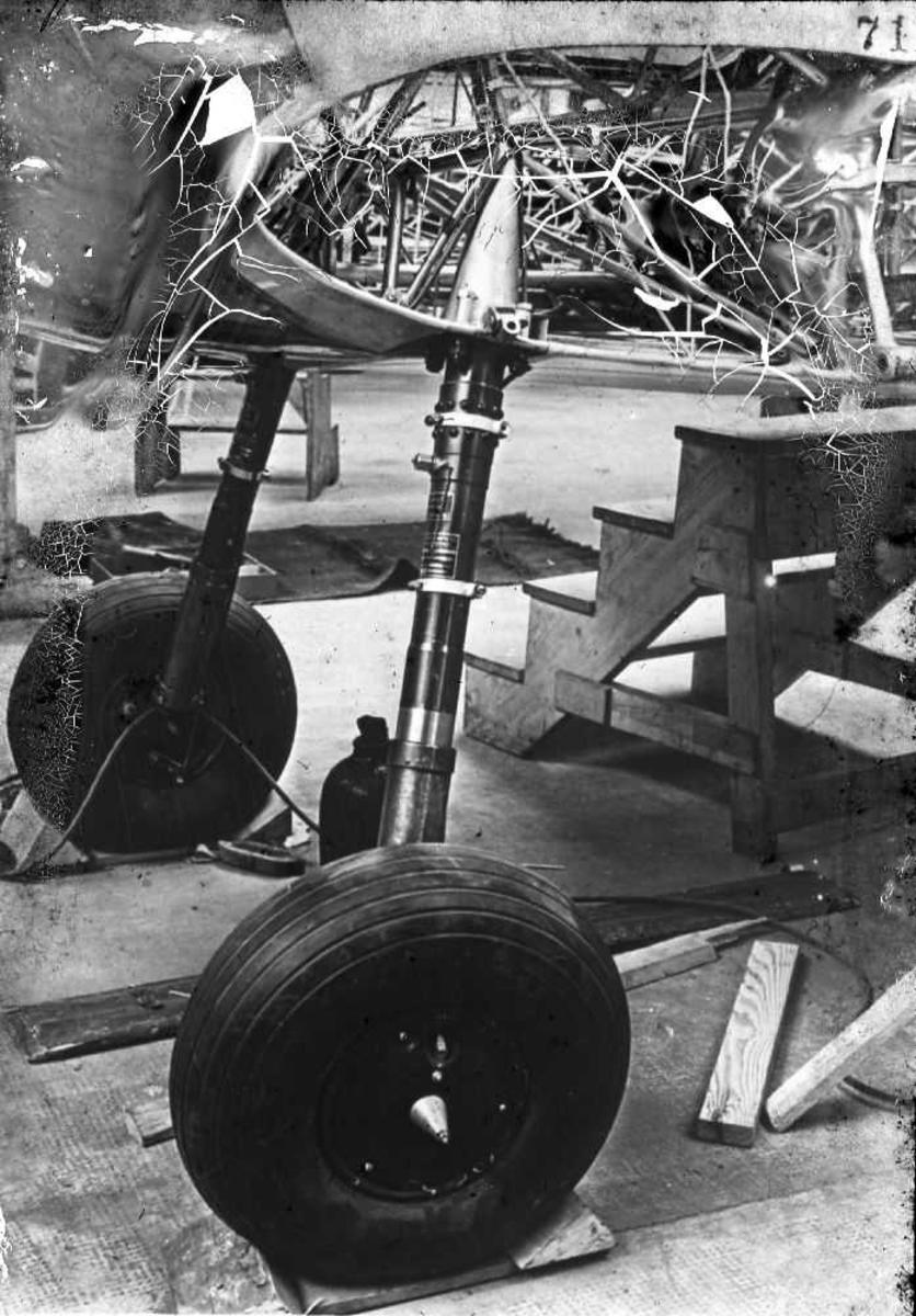 Understellsdetaljer for mellomstort fly.