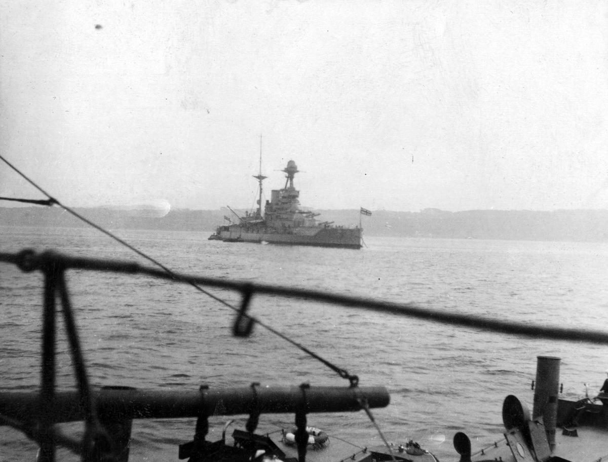 Övrigt: Engelskt slagskepp