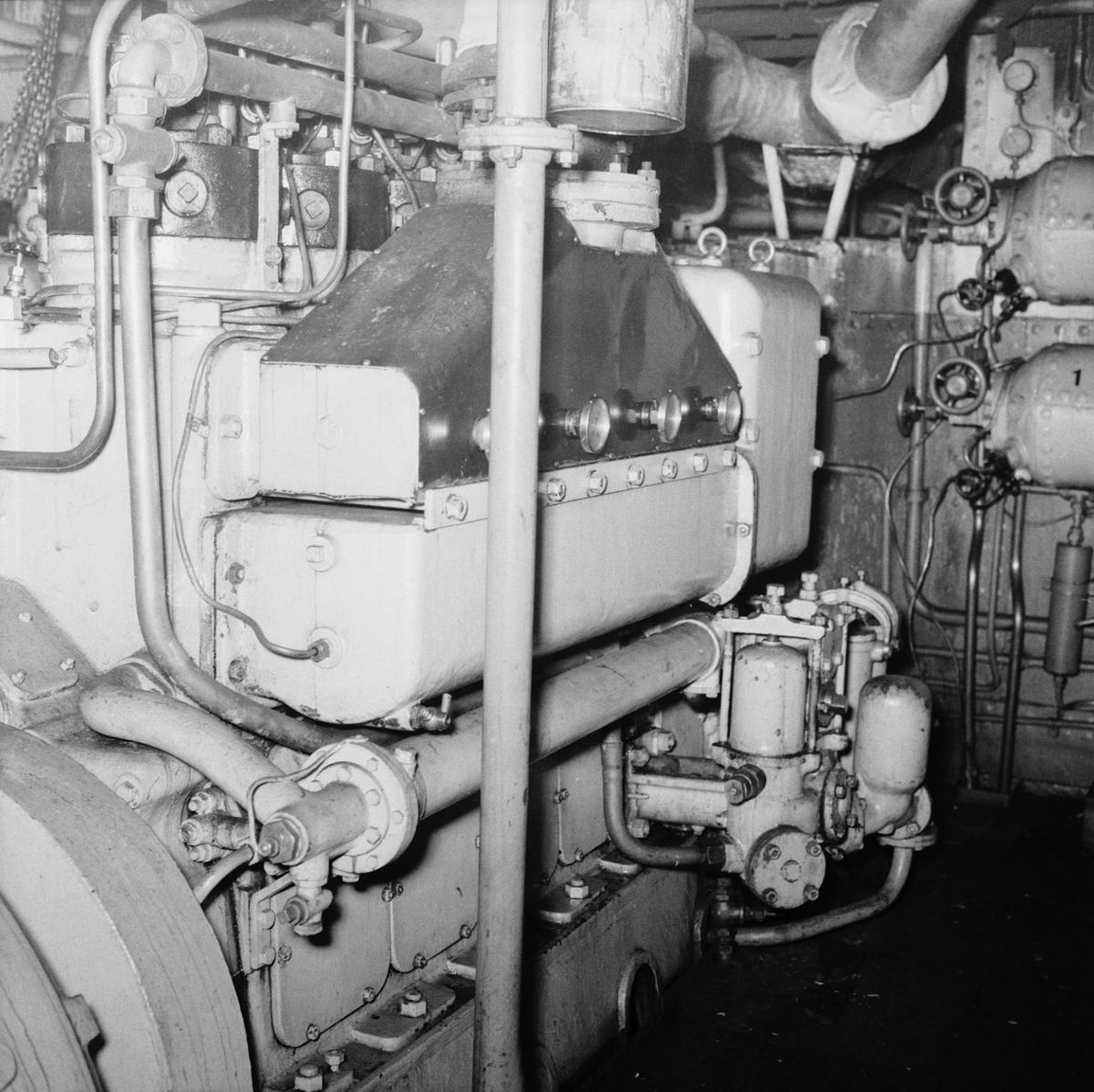 Fartyg: THULE                          Bredd över allt 15.0 meter Längd över allt 57.0 meter  Rederi: Svenska staten Byggår: 1953 Varv: Örlogsvarvet, Karlskrona Övrigt: Thules avgång efter översyn.