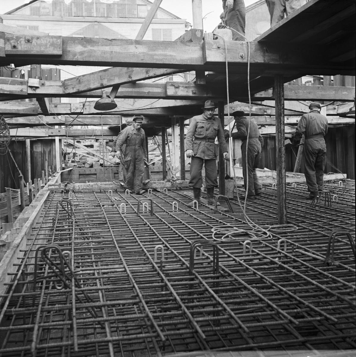 Övrigt: Foto datum: 21/2 1951 Byggnader och kranar Avlöpningsbädden