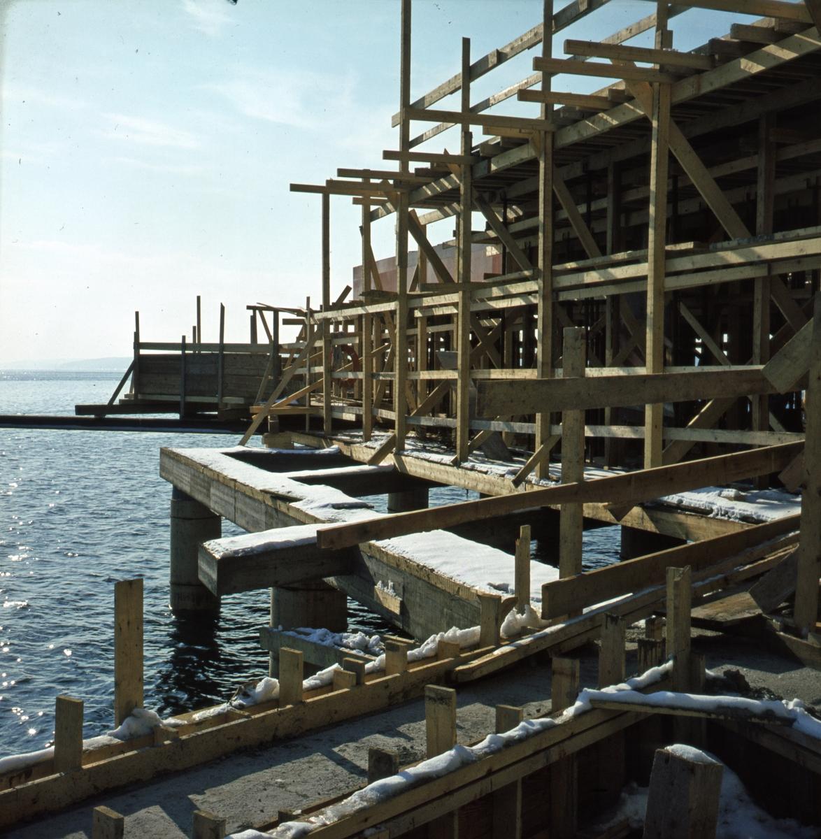 Byggeplassen sett mot sjøen. - Norsk Sjøfartsmuseum byggetrinn 3.