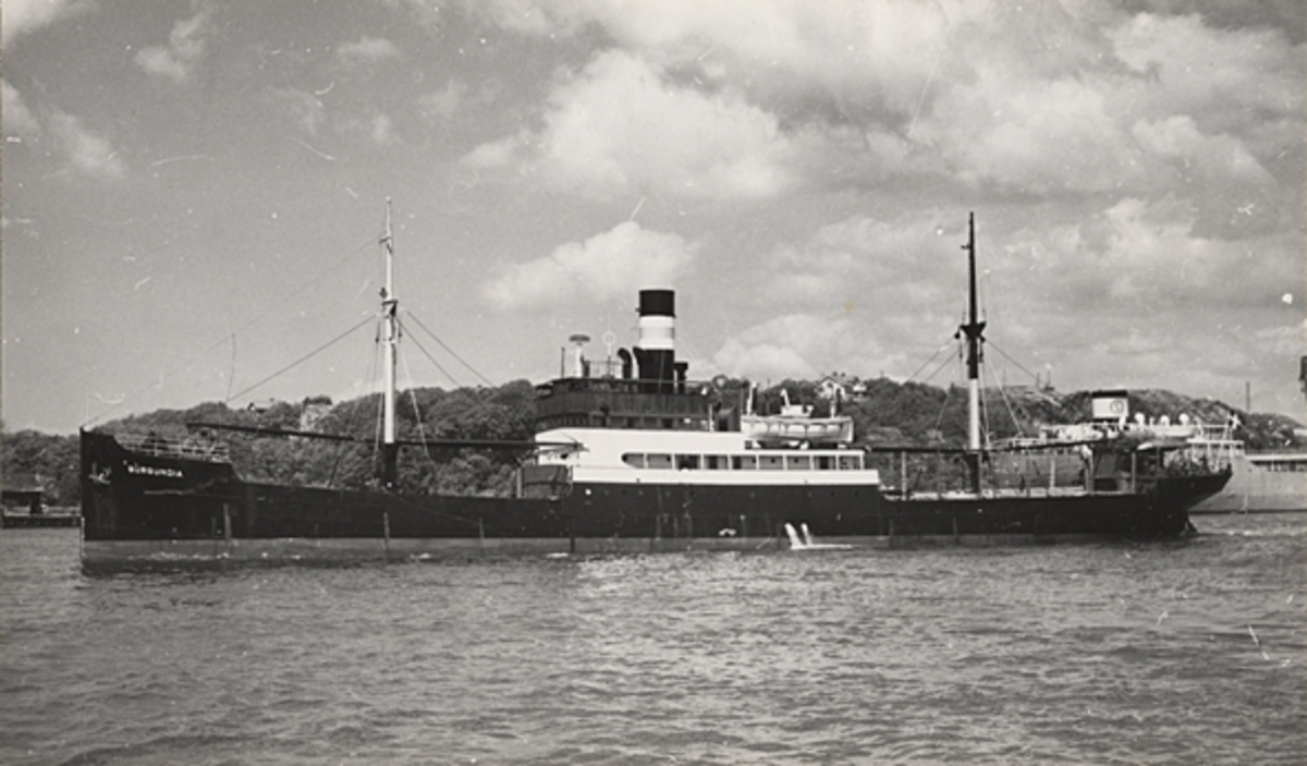 Vid Färjenäs, Göteborg. (Se Svensk Sjöfartstidning 6/61 s.342.) Foto: Dag Almén, Solna 28.5.1960.