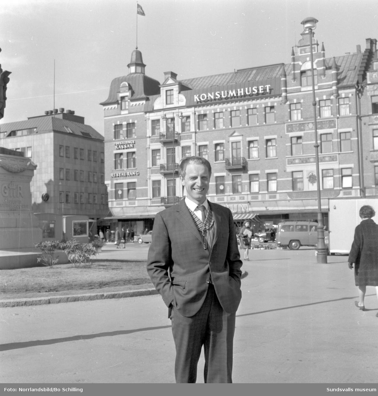 Tore Bryneholt på Stora torget i Sundsvall.