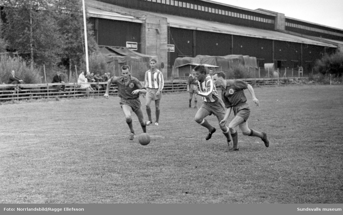 Fotboll, Wifsta/Östrand-Lund 1-1, Fagervik-Essvik 1-0.