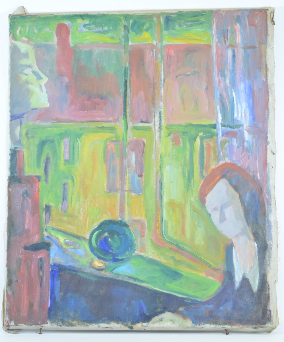 Motivet er figurativt, med fokus på former og flater heller enn detaljer. Motivet viser et åpent vindu sett innenfra med utsikt over himmel, et hustak med pipe, og øverste etasje av et hus. I vinduet står en grønnlig kule, og i profil til venstre for vinduet ser man et ansikt som er definert med kraftig lys og skygge i grønne toner. Til høyre for vinduet ser man noe som kan være en gardin, og foran denne et menneske (kvinne?)med langt hår og lutende skuldre. Ansiktet er uten trekk, og figuren er kun bygget opp av slette flater.