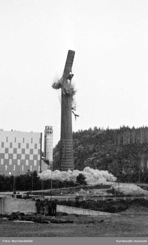 Rivning av skorstenen i Svartvik.