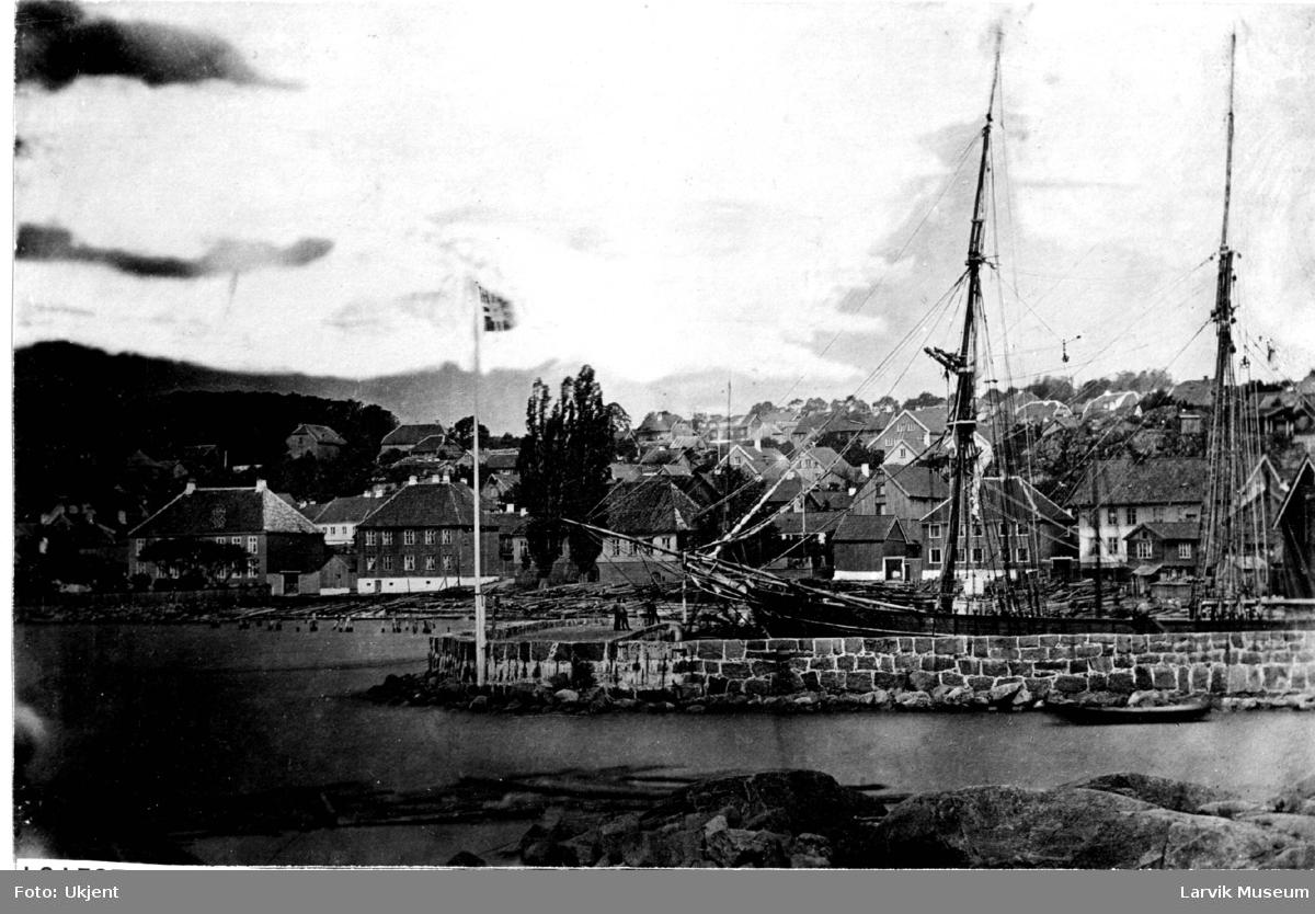 Havnemotiv, Skottebrygga i Larvik