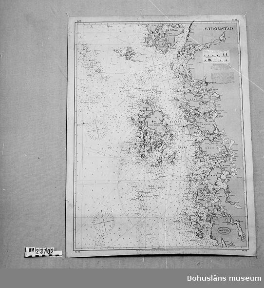 """594 Landskap BOHUSLÄN  Sjökort. Strömstad. Området Sannäs-Dyne.  Skala 1:50 000. Graverad av A. N. Lundh. Rättad 1905. Använd på Ångbåts AB Bohuslänska Kusten. På baksidan/utsidan skrivet: """"Sannäs-Dyne"""" och """"Gertrude"""". Gertrude båt i företaget."""