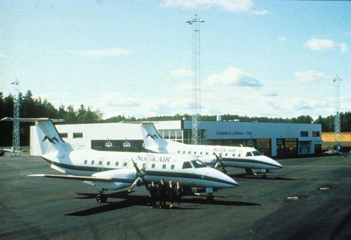 Lufthavn/Flyplass. Torp/Sandefjord. To fly, LN-KOD og LN-KOE, Embraer EMB-120 Brasilia fra Norsk Air, Torp.