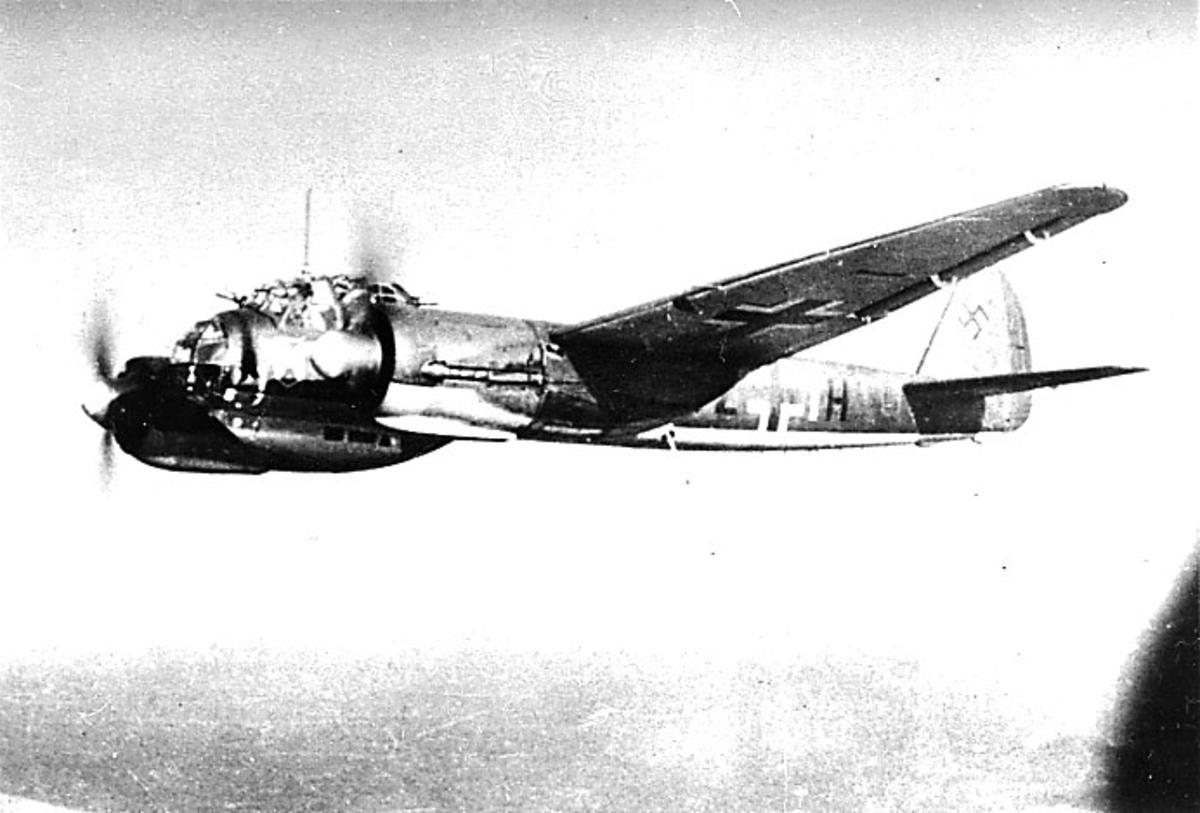 Luftfoto av 1 fly, Junkers Ju88 -A4 G2+1H