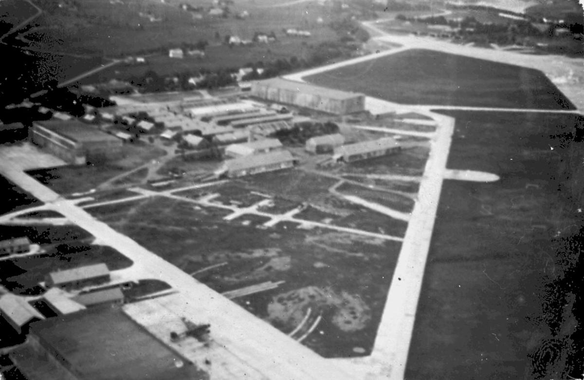 Luftfoto, oversiktsfoto over lufthavn.