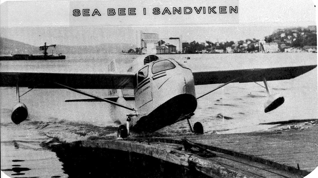 Maskinkopi av 1 foto. Lufthavn/sjøflyhavn, 1 fly på bakken, Republic RC-3 Sea-Bee, LN-TSN fra Vestlanske Luftfartsselskap A/S.