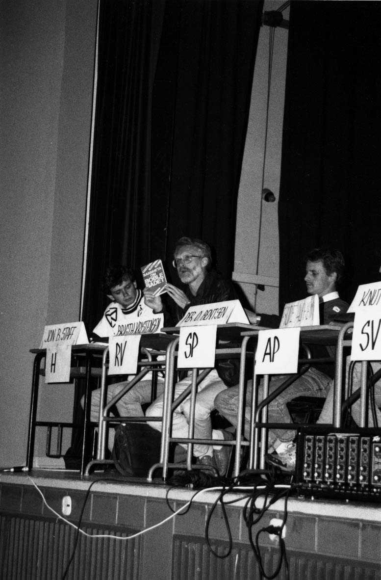 Gruppe.  Politikere i forb. med valg 1991.