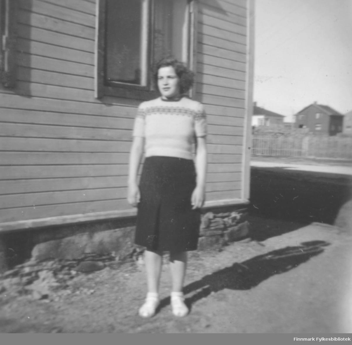 Bjørg Kvam som ung jente, 1950