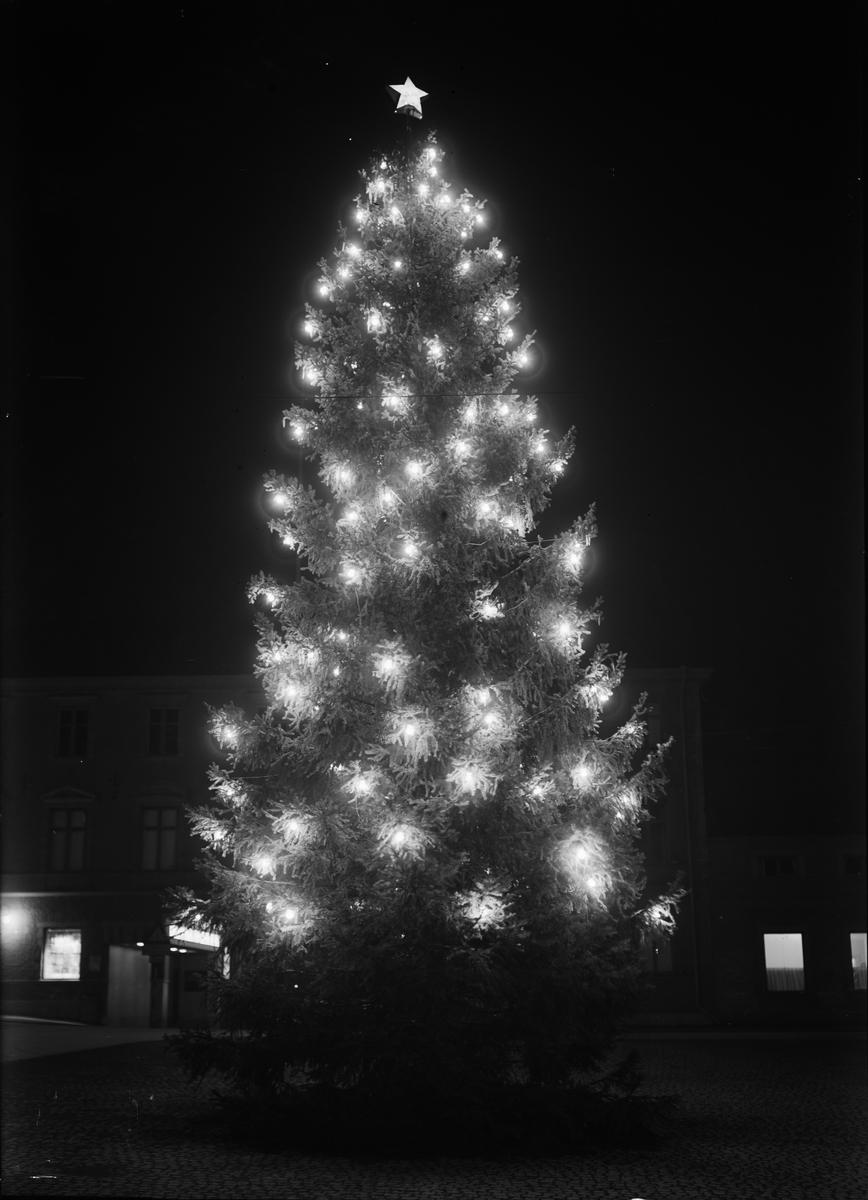 Julgran på Fyristorg, Uppsala december 1944