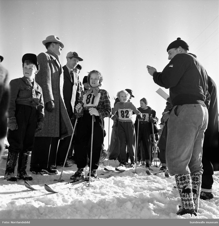 Skidor. Expressens juniorskidtävling i Matfors.