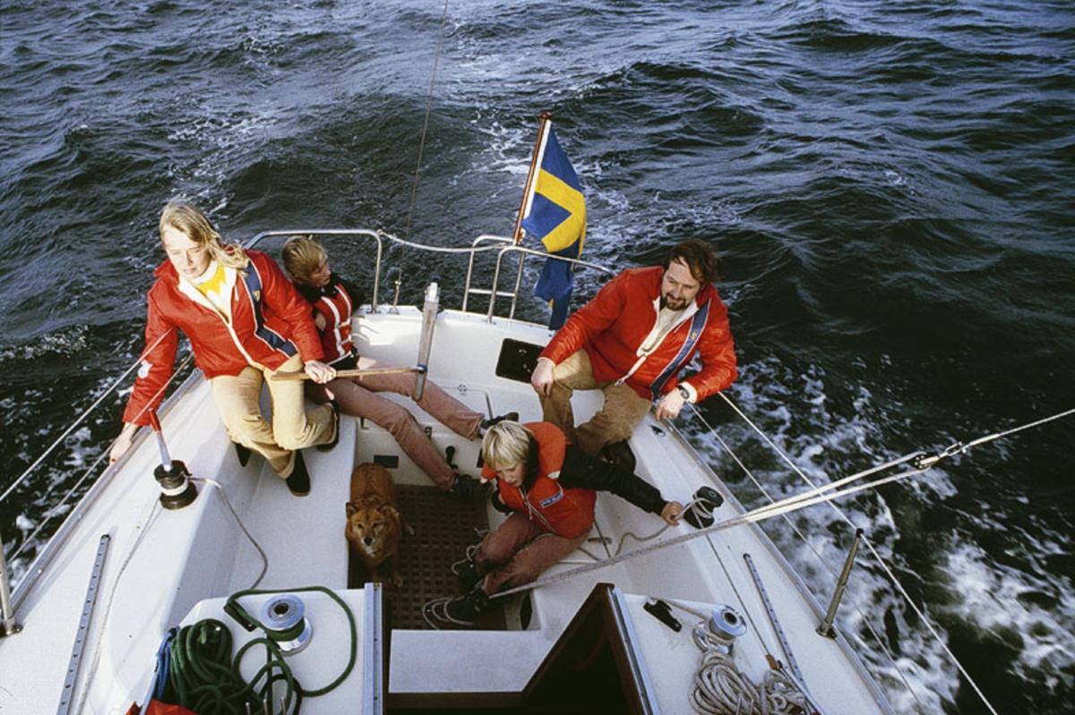 Fartyg:  Bredd över allt 2,76 meter Längd över allt 7,8 meter  Byggår: 1979-1984 Varv: Albin Marin, Kristinehamn Konstruktör: Norlin, Peter Övrigt: Dubblett finns: Fo177211DIA. Albin Cirrus producerades 1979-1984.