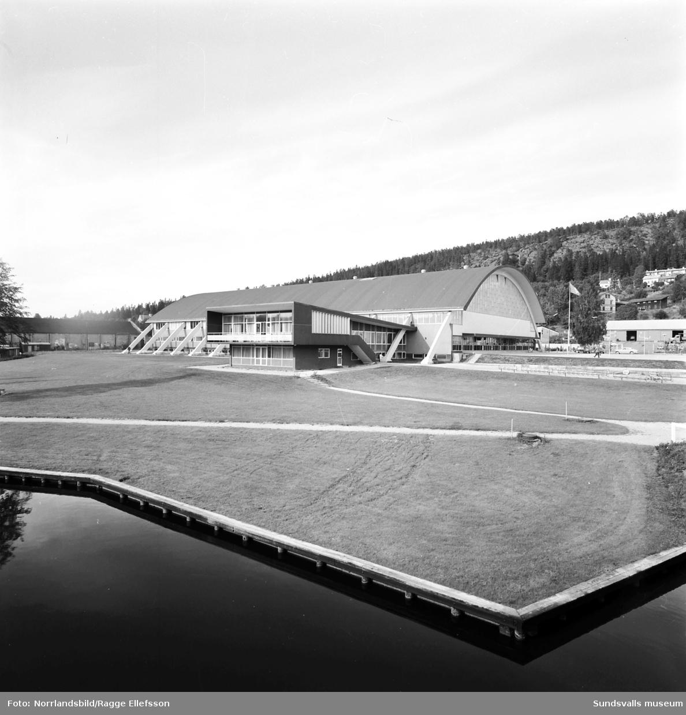 Exteriörbilder från olika håll på Sporthallen i Sundsvall.