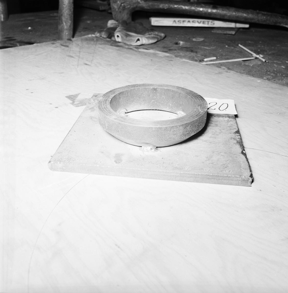Övrigt: Foto datum: 15/5 1966 Byggnader och kranar Prov för stycksvetsning