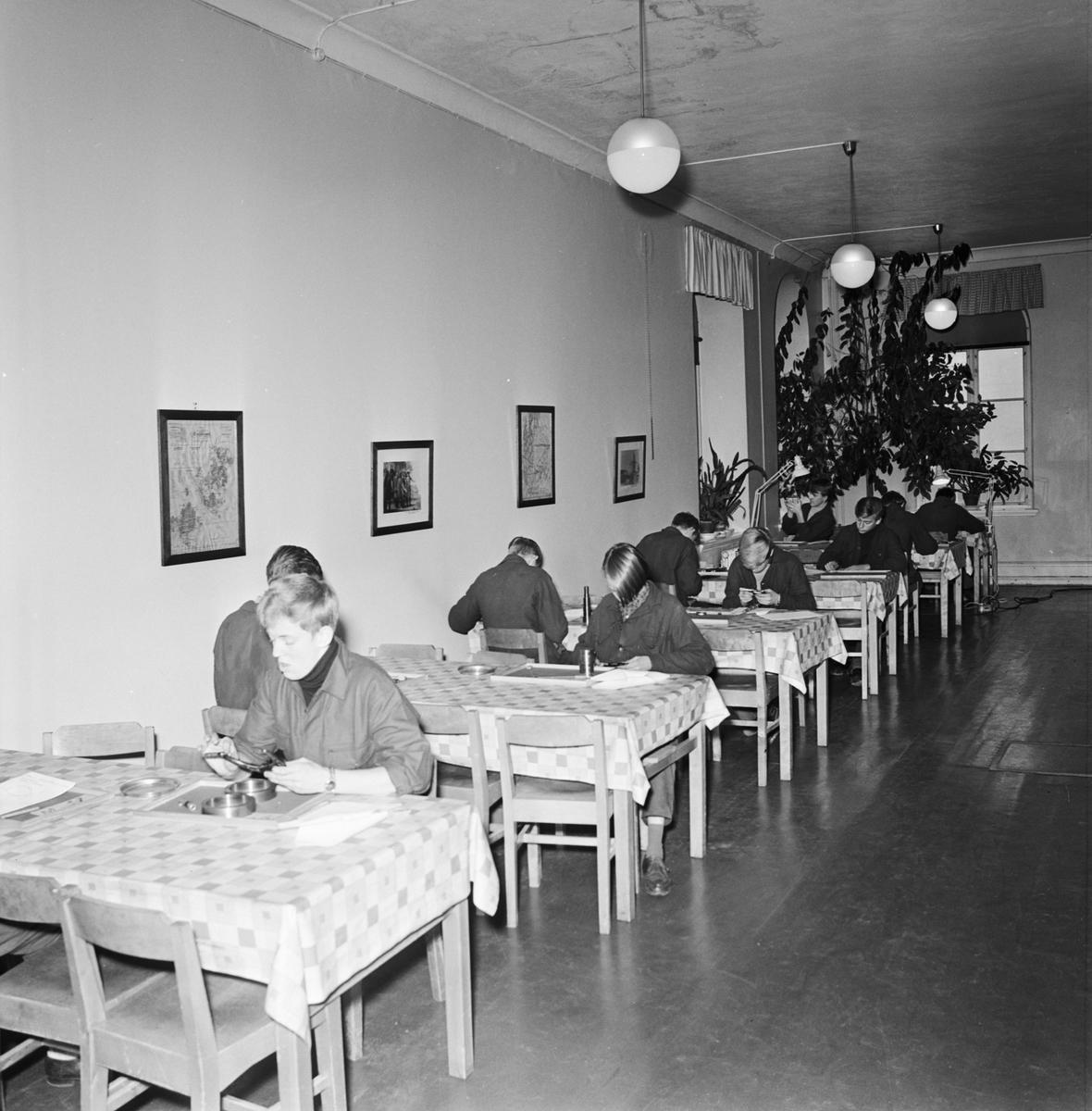 Övrigt: Foto datum: 7/11 1966 Byggnader och kranar Mätprover