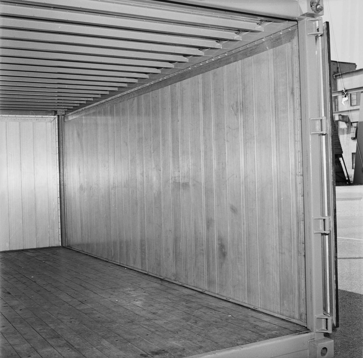 Övrigt: Fotodatum 3/6 1966 Byggnader och Kranar Contain. Närmast identisk bild: V37162,ej skannad