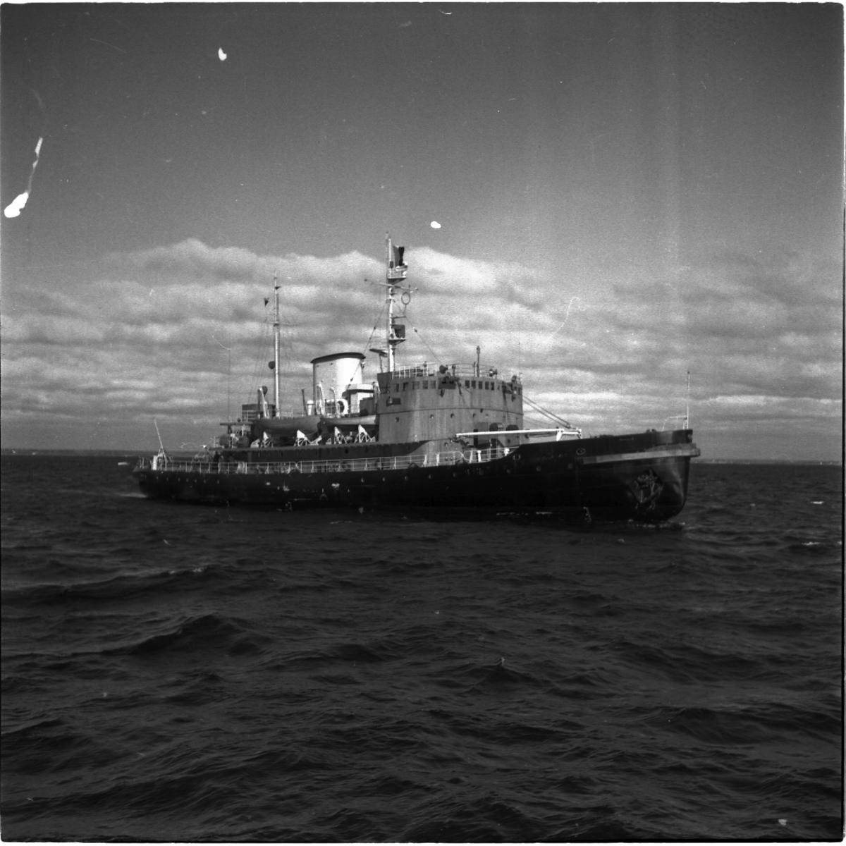Fartyg: THULE                           Övrigt: Isbrytaren Thule till sjöss