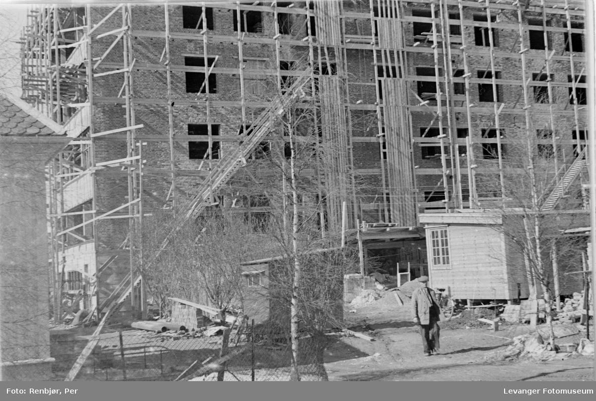 Anleggsvirksomhet ved sykehuset under krigen  II