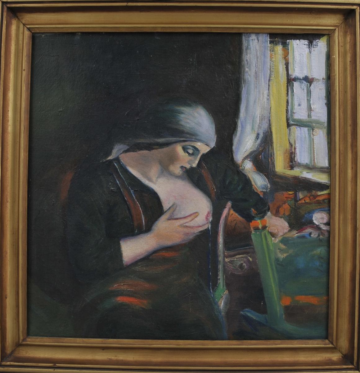 Ei kvinne med skaut, sit framfor ei vogge. Det eine brystet er blotta for amming av barnet.