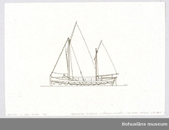 Montering/ram: Passepartout av tunn grå kartong; 55 x 66 cm, Seglande engelsk livbåt från omkring 1900. Royal National Life-boat Institution. Övrig historik se UM72.26.001.