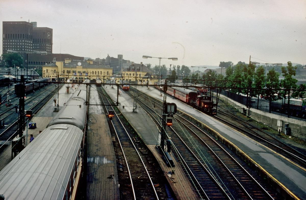 Oversiktsbilde over Oslo V, Vestbanen, Vestbanestasjonen.