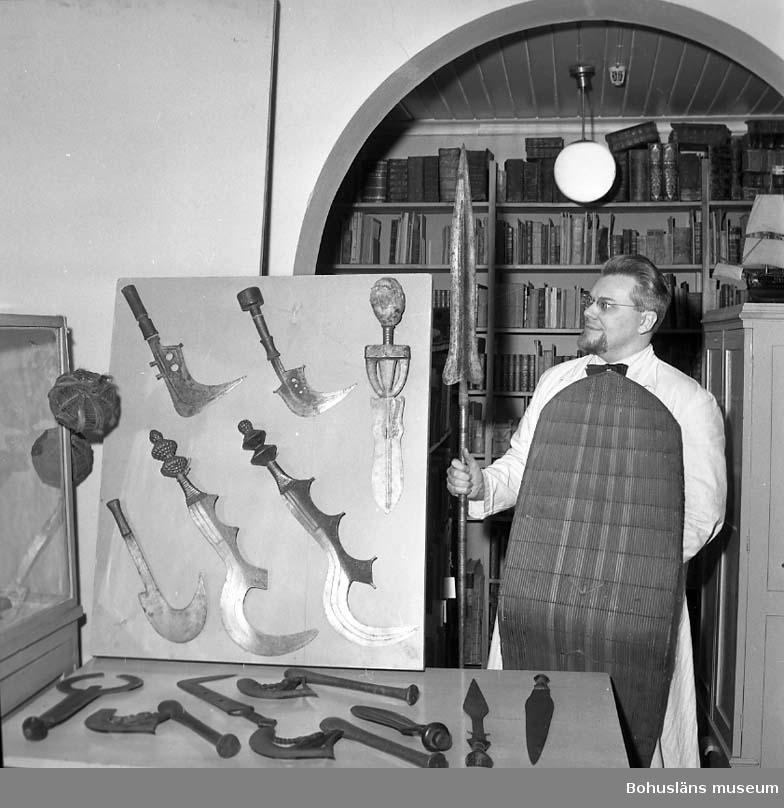 """""""På Uddevalla Museum/skänkt samling 2 februari 1961"""""""