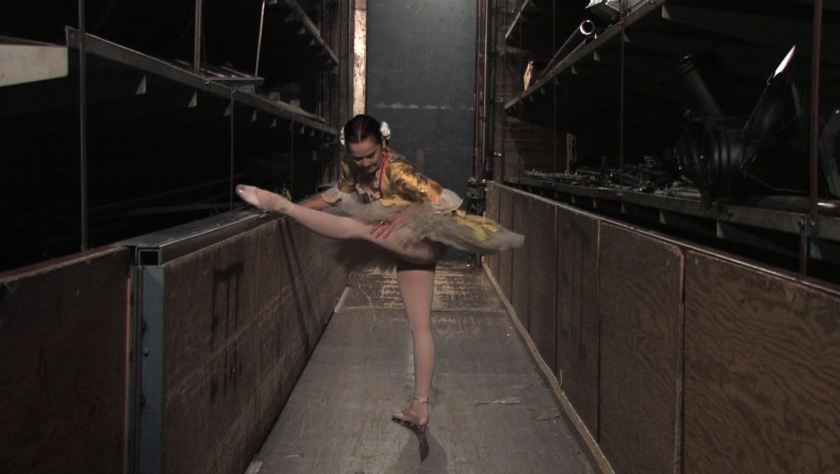 Ett av to filmprosjekter utført av to ulike kunstnere. Filmen er produsert av KORO og som kan låne ut et fremføringseksemplar for fremføring internt i Den Norske Opera & Ballett og til bruk i undervisning på universitetet og høgskoler.