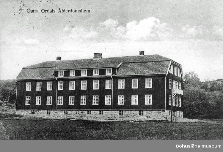 """Text på kortet:""""Östra Orusts Ålderdomshem""""."""