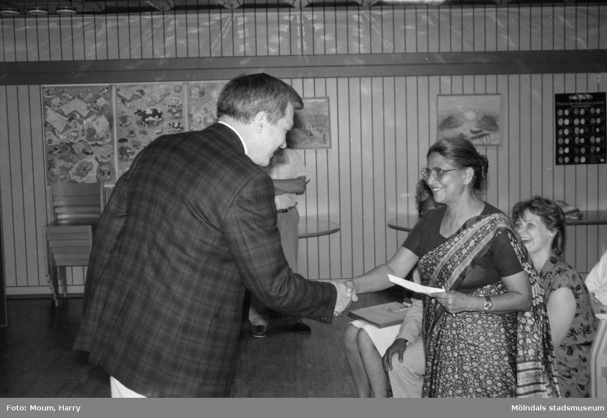 Indiskt besök på Ekenskolan, Kållered, år 1985.  För mer information om bilden se under tilläggsinformation.