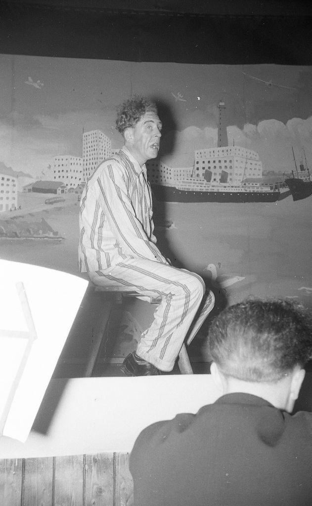 Andenes Amatørteater i mai 1954, Oluf Bjørvik.