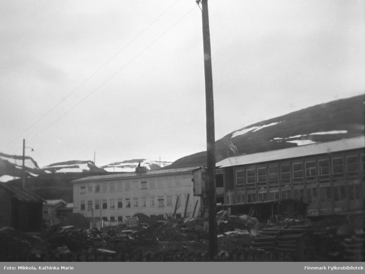Båtsfjord skole under bygning i 1964