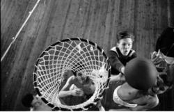 Reportagebilder om ungdomens vintersportlov, fotograferat fö