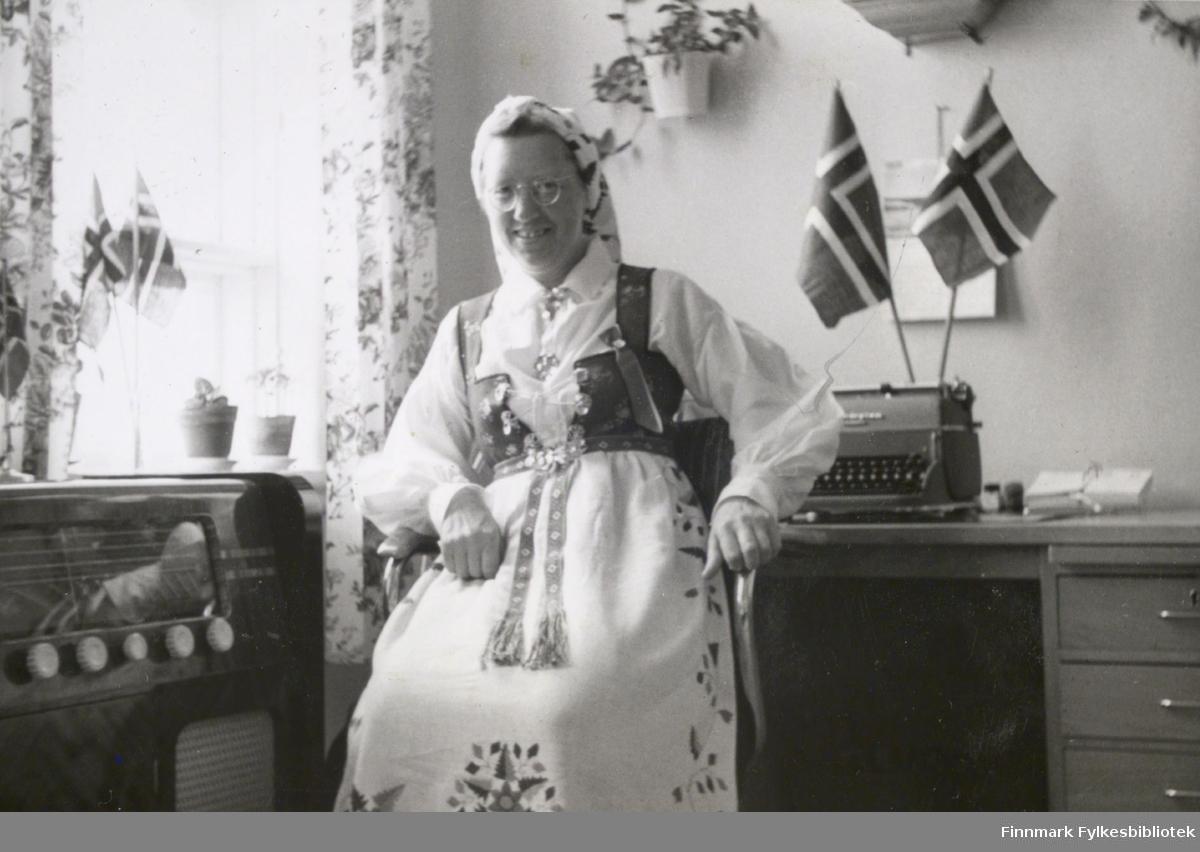 Gudrun Byholt på Vadsø sykehus, 17. mai 1959