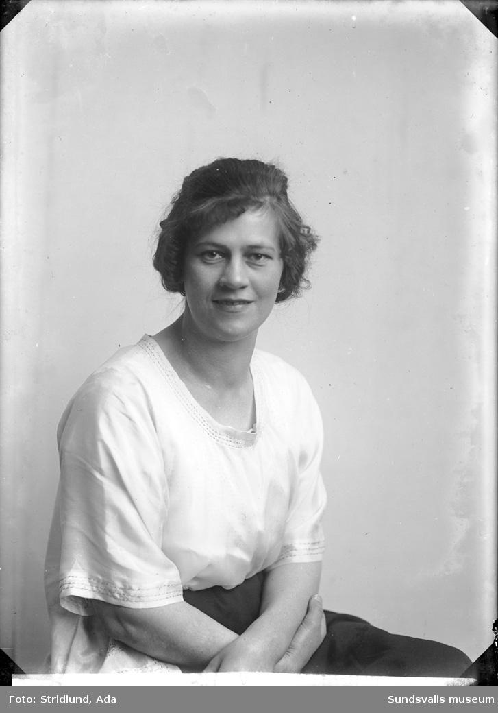 Porträtt av kvinna (okänd).