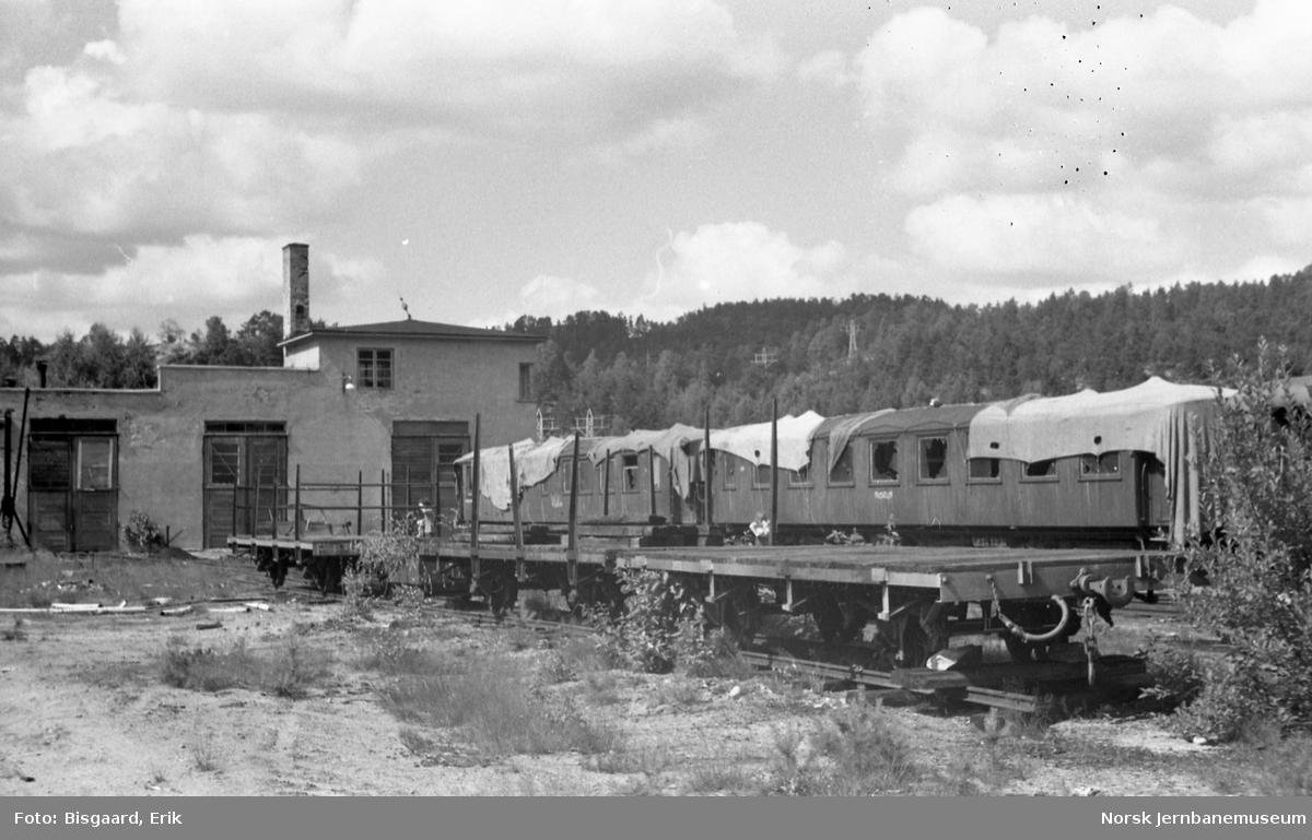 Diverse godsvogner på Grovane