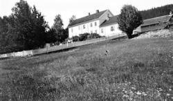 Gardstunet på eiendommen Gravberget i grenda med samme navn