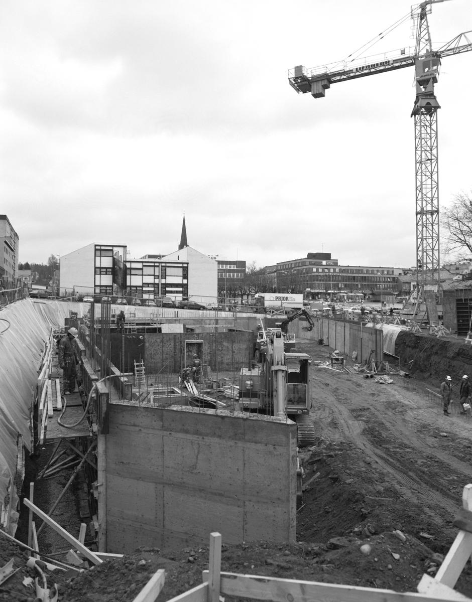 """Storhamargata 12, Hamar, bygging av nytt kjøpesenter, forretningsbygg, grunnarbeid, forskaling, """"Basarene"""""""