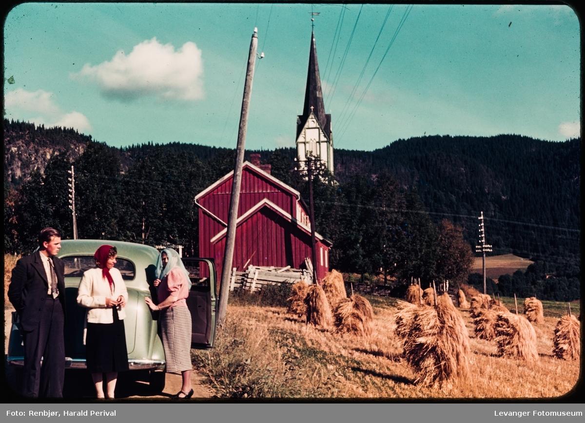 Foran Skatval kirke.
